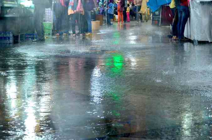 pioggia a mumbai